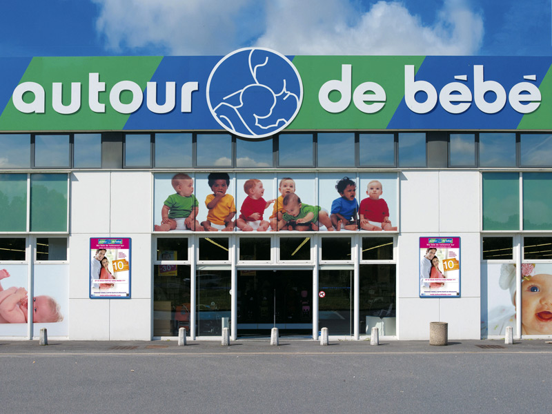 AUTOUR DE BEBE